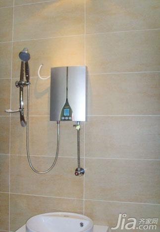 热水器可以直接安装在浴室内,调温伸手可及,无需破坏墙体安装煤气管道