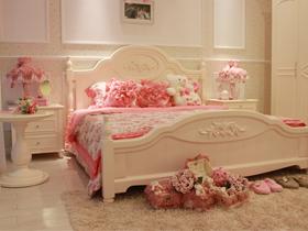 粉色公主风卧室实拍
