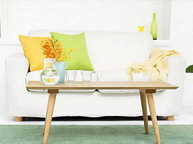 翠綠的沙發VS嫩黃的墻面 生機盎然的美好生活