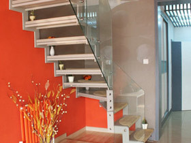 不一样的时尚 15款个性楼梯设计