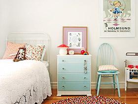 裝飾兼具收納 16款彩色床頭柜裝修圖