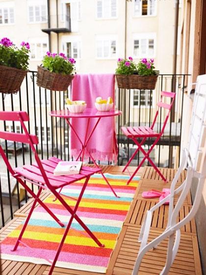 宜家风格温馨花园餐桌效果图