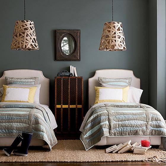 欧式风格时尚床头柜图片