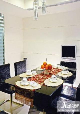 白色作为基础色调的家居装修效果图
