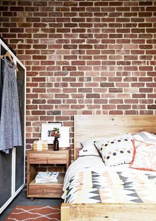 北欧风格实用卧室书架效果图