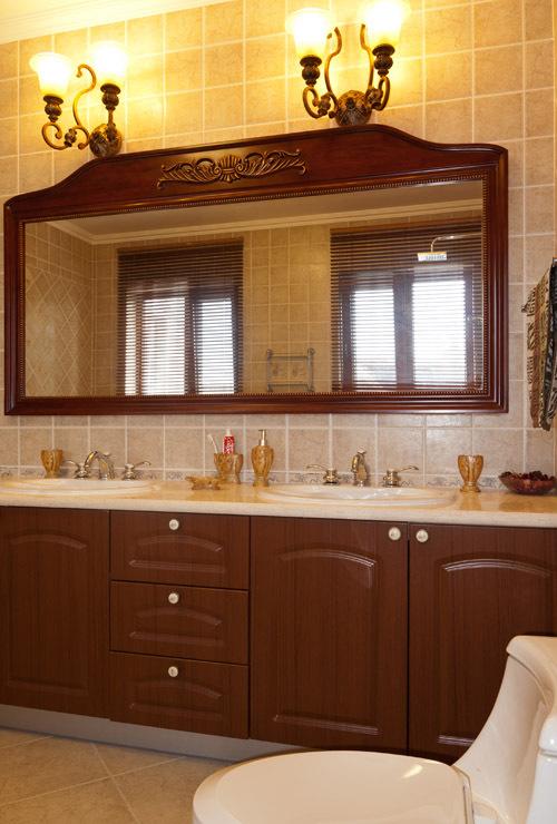 美式风格红色卫生间装修图片