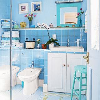 蓝色卫生间瓷砖效果图
