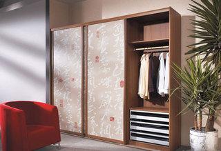 简约风格实用衣柜设计