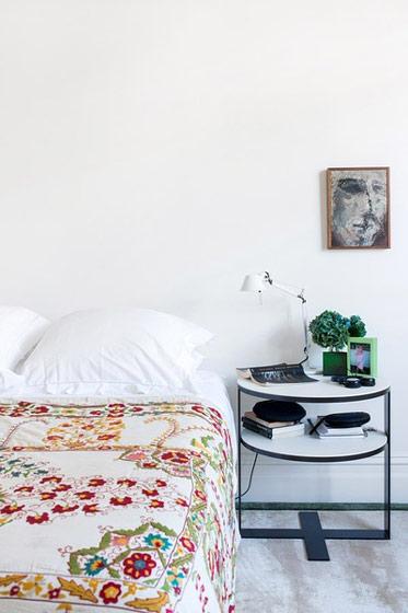 简约风格时尚床头柜效果图