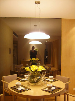 简约风格二居室温馨5-10万90平米餐桌效果图