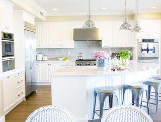 舒适厨房地板效果图