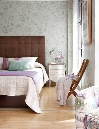 棕色卧室木床设计效果图