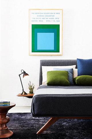简洁卧室床头装修效果图