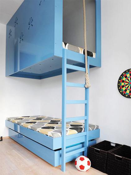 天蓝色双层儿童床效果图