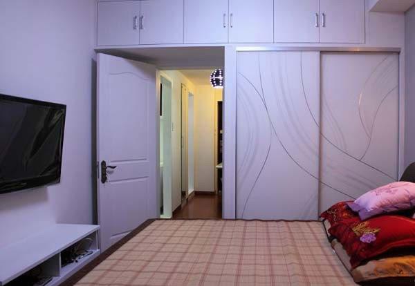 白色花纹移门衣柜效果图