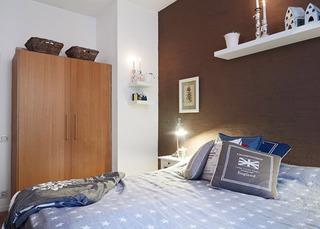 木质自然卧室衣柜设计图片
