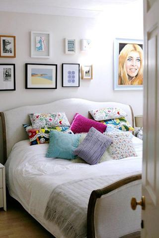 温馨明亮卧室效果图