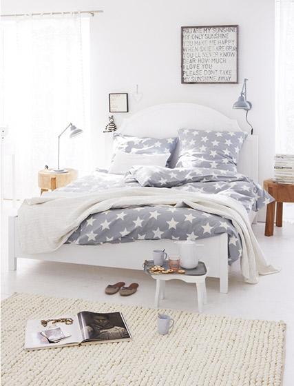 温馨卧室床头装修效果图