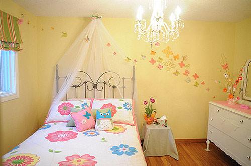 温馨暖黄色儿童房效果图