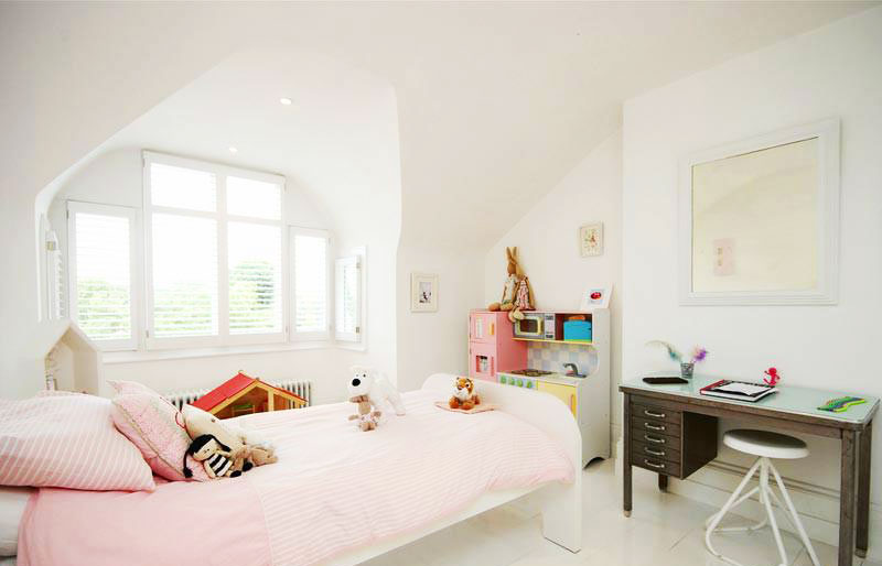 温馨女生卧室设计效果图