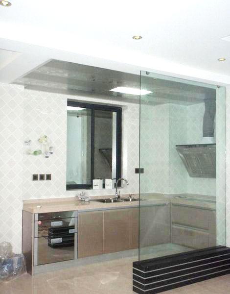 厨房玻璃隔断设计图图片