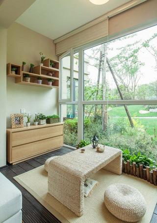简约客厅阳台榻榻米设计