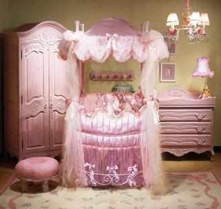粉红婴儿床图片