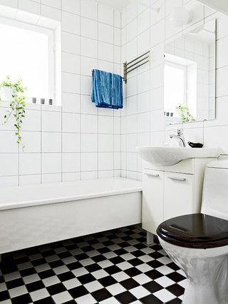 黑白卫生间瓷砖效果图