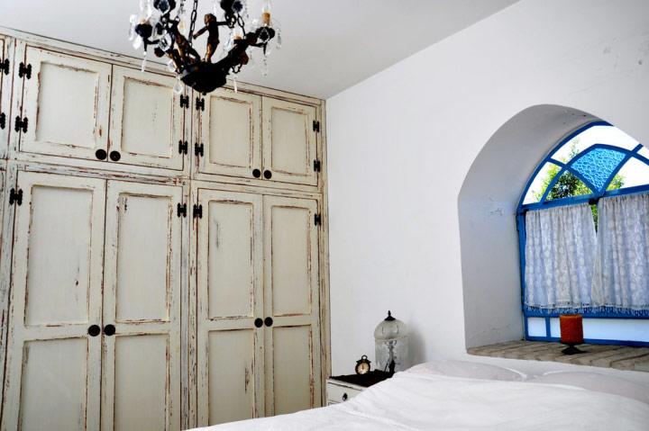 做旧地中海卧室衣柜图片