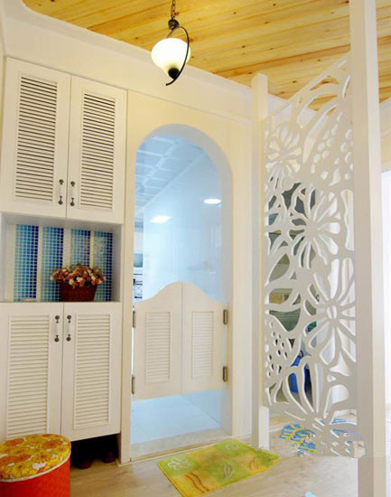 白色地中海玄关柜图片