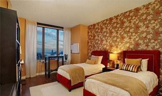 红色床头软包图片