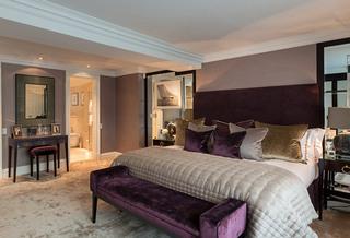 紫色卧室装修效果图