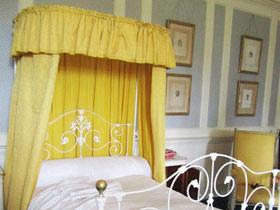 布藝臥室床頭 16款臥室床頭背景墻設計