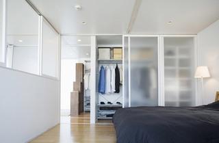白色衣柜效果图