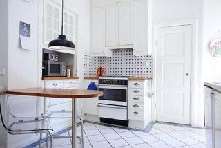 温馨欧式简洁厨房设计效果图