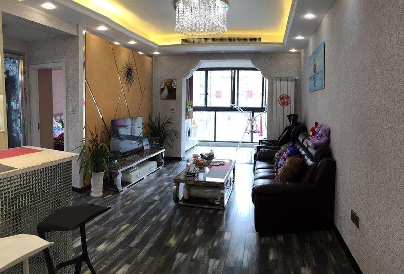 平米简约三居室装修效果图,大城小院两室两厅一卫装修案例效果图