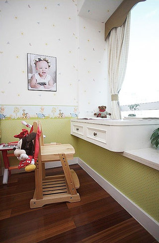飘窗儿童书房设计