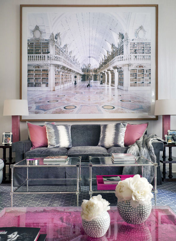 手绘风景画装饰客厅背景墙