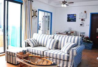 浅蓝色条纹沙发