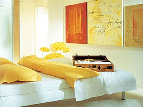 沐浴阳光 13个黄色卧室设计