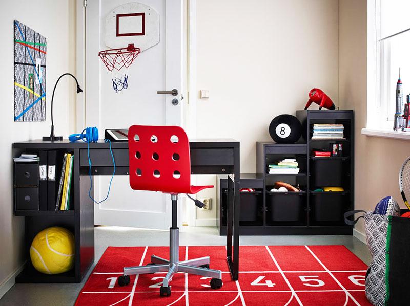 黑红色儿童房