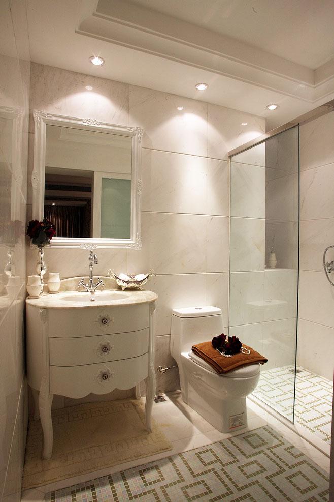 浴室柜的清潔