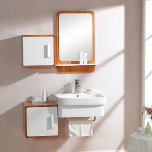 浴室柜组合的清洁