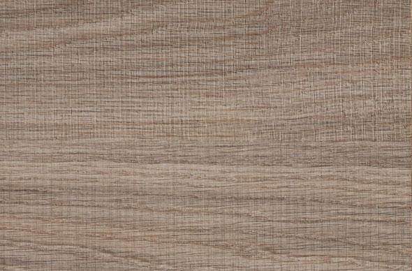 现在硬木家具有两种,传统的硬木家具一般表面没有漆层,只是烫蜡。现在新生产的硬木家具表面有大漆或者清漆保护。不同处理的硬木家具保养方法有差别。   一、硬木内有含水,空气湿度过低时硬木家具会收缩,过高时会膨胀。一般硬木家具生产时就有升缩层,但是使用摆放时应该注意,不要放在过于潮湿或者过于干燥的地方,比如靠近火炉暖气等高温高热处,或者过于潮湿地下室等地方,以免产生霉变及干裂等。   二、如果是平房地势较低的屋内,地面潮湿须将家具腿适当垫高,否则腿部容易受潮气腐蚀。   三、搬运或移动家具时应轻搬轻放,不能