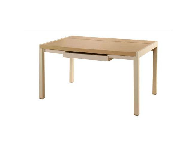 評測:王室寫字桌 精致造型盡顯尊貴