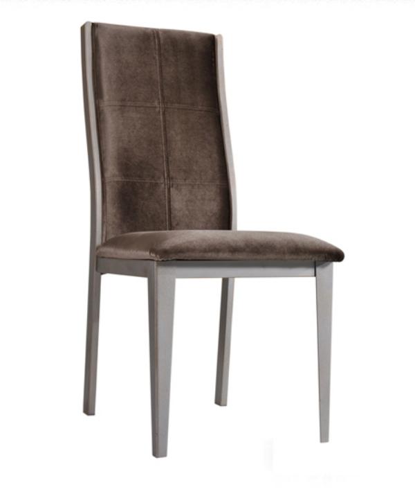餐椅安装简单吗?