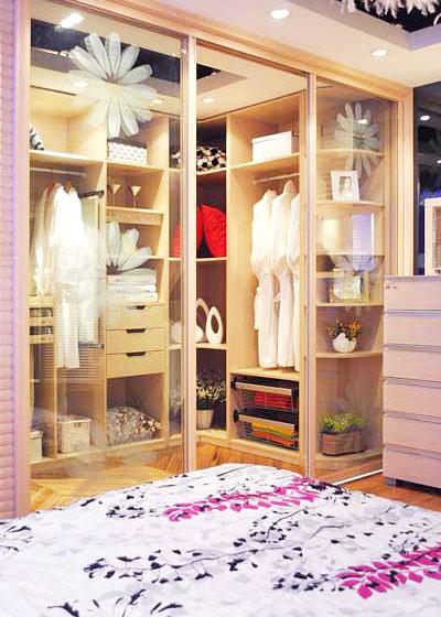欧式简约风格简洁卧室小衣帽间设计