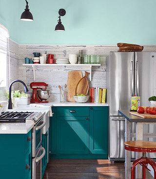 亮眼蓝色厨房效果图