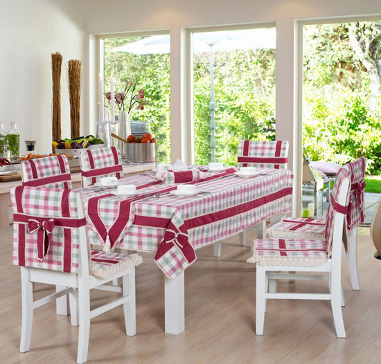 粉嫩格子桌布图片
