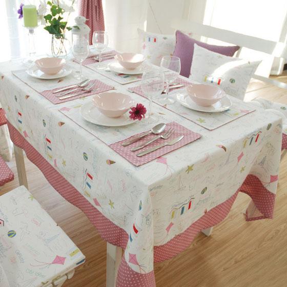 粉嫩桌布图片